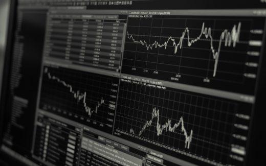Beitragsbild mit verschiedenen Aktienkursen